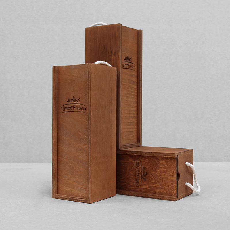 Caja Triplay Jumex