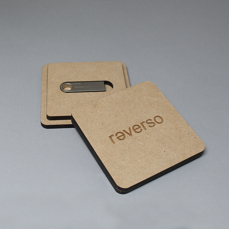 Caja USB Flashdrive Reverso